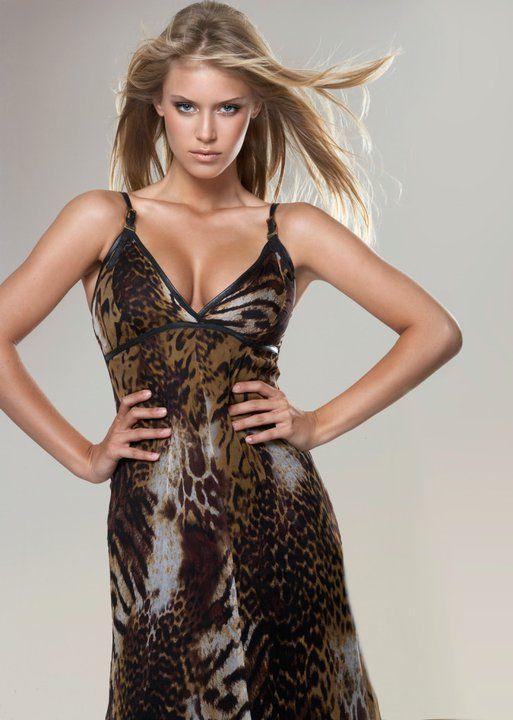 Alexandria Mills Hoa hậu Thế giới 2010
